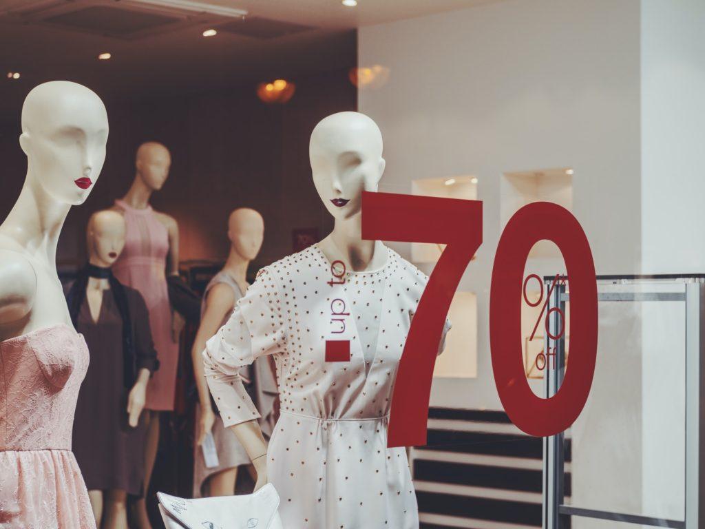 Przykład Visual Merchandising - witryna sklepowa